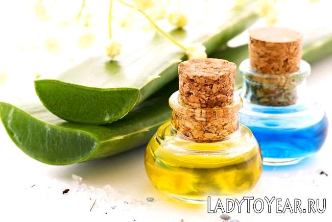Листя алое і косметичне масло