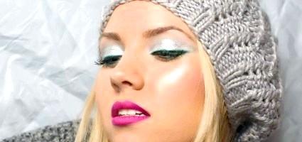 Взимку шкіра потребує особливого догляду, значить і макіяж повинен бути унікальний! Наприклад, використовуйте кремоподібні тіні і рум'яна!