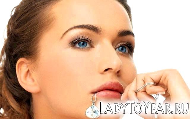 Натуральний макіяж для блакитнооких фото