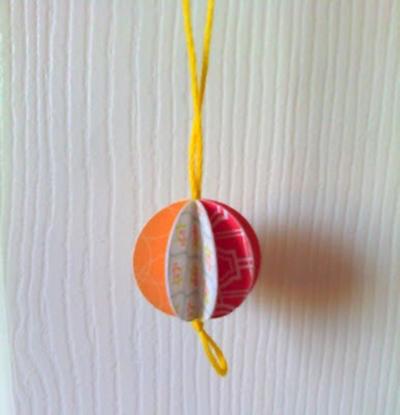 Як зробити новорічні іграшки у вигляді кульок?