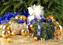 Прикраси на Новий рік з фруктів і підручніх матеріалів