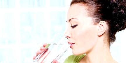 Вода - основа будь-якої дієти! Без неї схуднути просто не вийде!