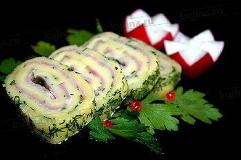 Рулет з сиру з шинкою і печерицями: оригінальне блюдо на новорічний святковий стіл 2015