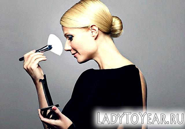 Гвінет Пелтроу в рекламі пудри Max Factor фото