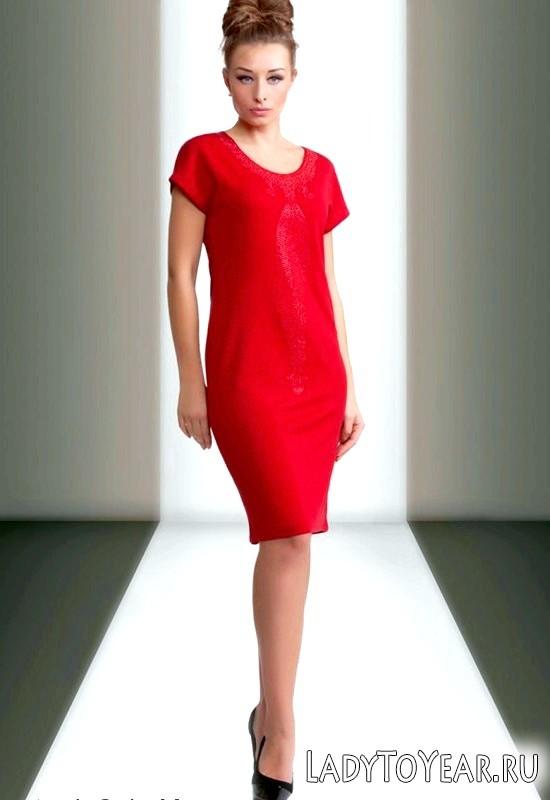 З чим носити червону сукню - поєднання аксесуарів та взуття
