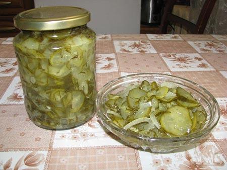 Рецепти салатів з огірків на зиму