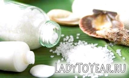Цей скраб - просто чудо! Він простий у приготуванні і не тільки очистить шкіру, але і збагатить її мінеральними речовинами!