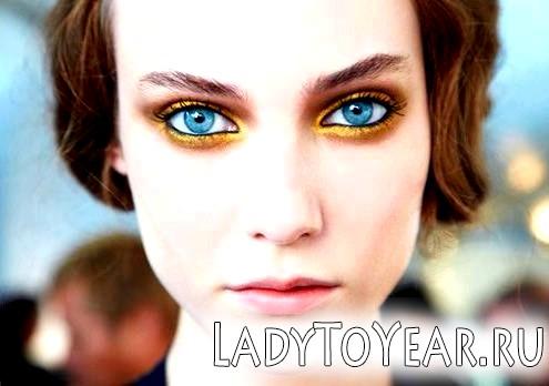 Особливості макіяжу для блакитних очей фото