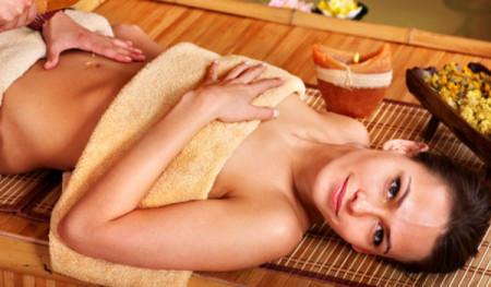 медовий масаж живота