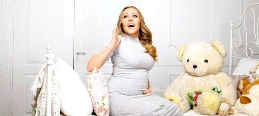 Вагітна жінка по-особливому прекрасна! І такі дрібні проблемки, як розтяжки і целюліт - дрібниці порівняно зі здоров'ям майбутнього малюка!