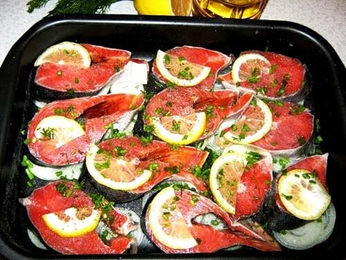 Що взяти для приготування горбуші, запеченої в духовці: