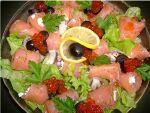 Рецепт салату із сьомги з фото